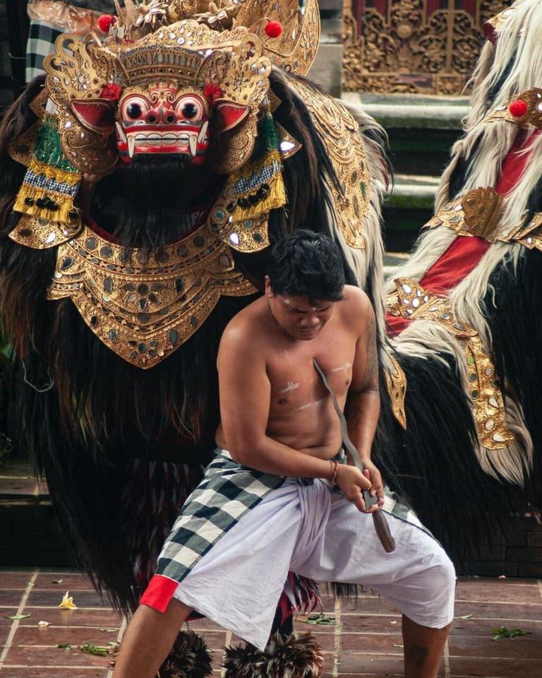 Danse Barong et danseur Kris - Batubulan - Bali