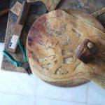 Fabrication artisanale de Wayang kulit
