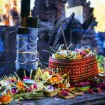 Bali - Temple Tirta Empul - offrandes aux dieux