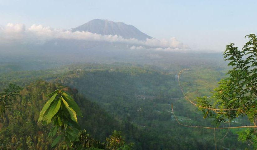 Sidemen - le volcan depuis Pura Bukit