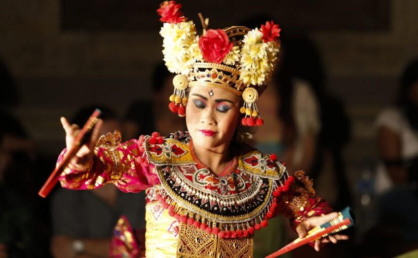 Legong dance au palais royal Puri Saren Agung à Ubud