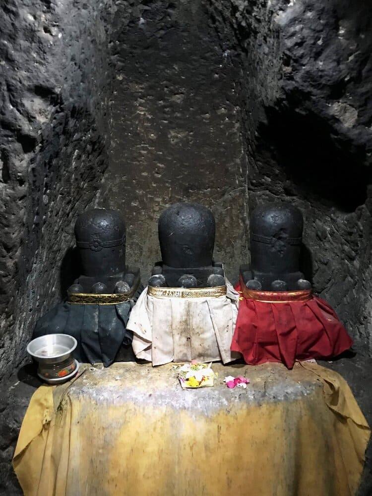 Lingam Shiva Goa Gajah Bali